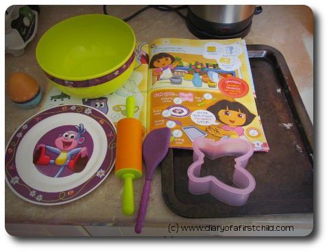 Little Cooks - Dora The Explorer Review And Competition