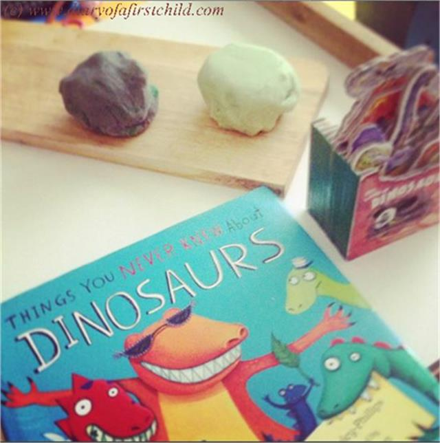 {PlayLearning} Dinosaurs