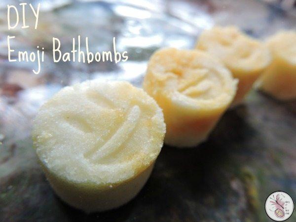Emojie Bathbombs